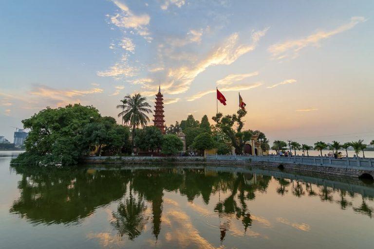 Pagoda tran quoc hanoi